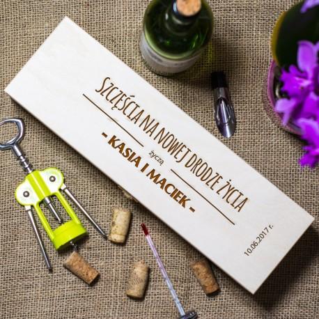 Drewniana skrzynka na alkohol - Szczęścia na nowej drodze...