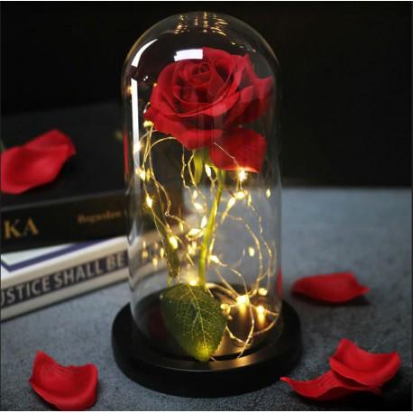 Róża w szklanej kopule słoiku na prezent. LED prezent na walentynki